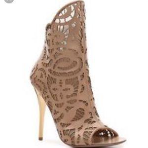 Giuseppe Zanotti Henry lace bootie Size 35.5